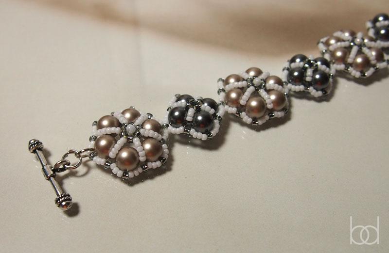 Beaded bracelet pattern for beginners