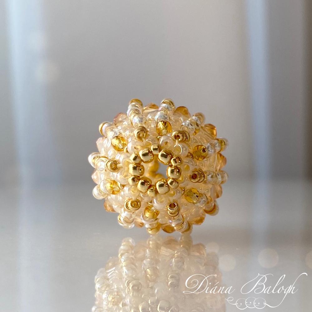 beaded bead by Diána Balogh
